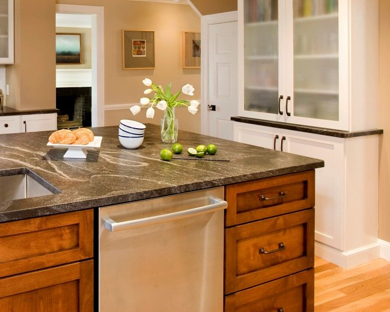 Kitchen Trends: Granite or Quartz Countertops?